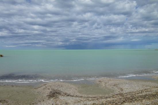 Residence Rosa dei Venti: Spiaggia Mazzanta con temporale in arrivo