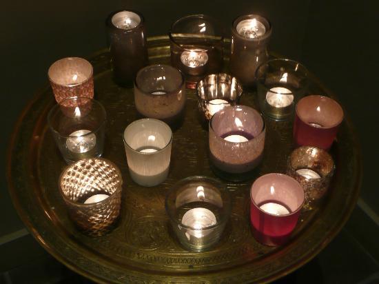 Huis Koning: hall candles