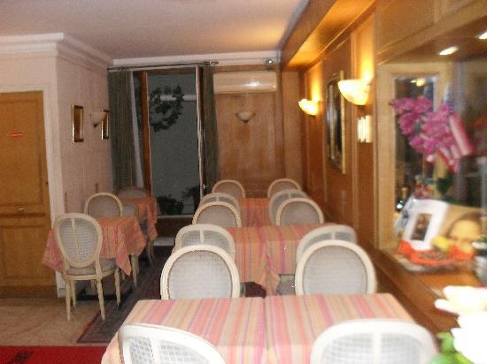 Hôtel La Sanguine : dinning area