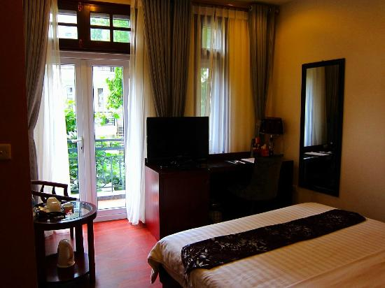 Gia Bao Palace Hotel: デラックスルームではテラスから旧市街が見えます。