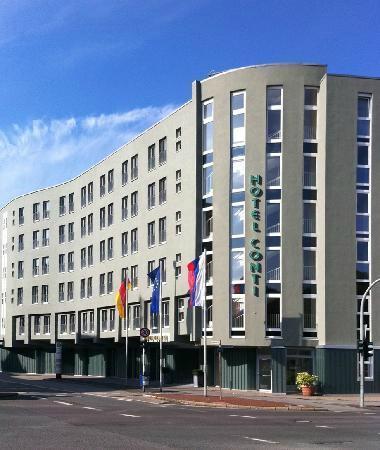 Hotel Conti Duisburg: Außenansicht bei Tag