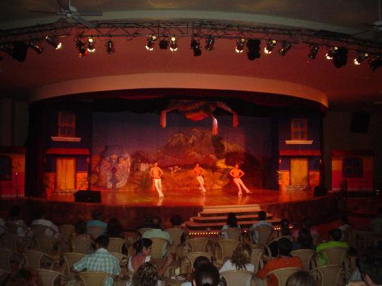 Grand Palladium Riviera Resort & Spa : El show
