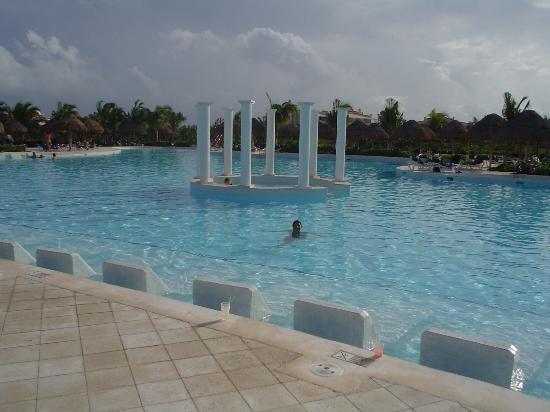 Grand Palladium Riviera Resort & Spa : La piscina