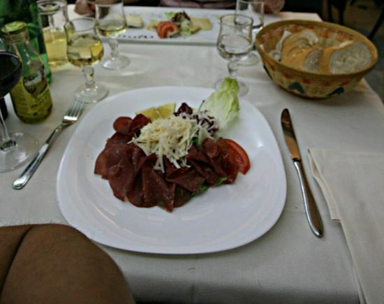 VILLA DI CHIESA: Antipasti - Bresaola with lemon and cheese - recommended