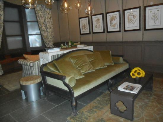 Hotel Chandler: Hotel lounge