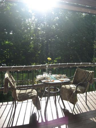 The Chalet of Canandaigua: Good morning! Breakfast Area...