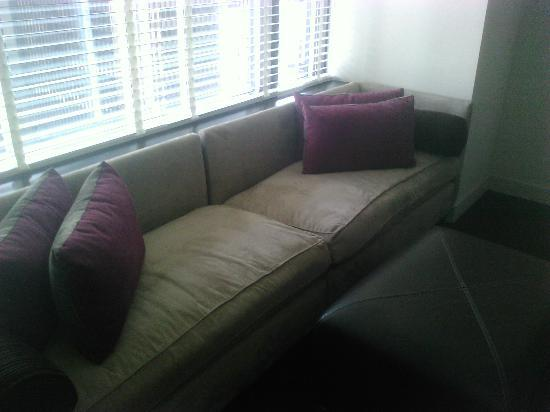 W Seattle: sofa de la chambre