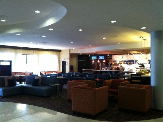 Courtyard by Marriott High Point: Hotel Lobby area