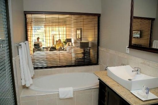 Leriba Hotel: 5 Star Suite bathroom