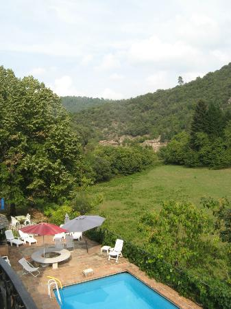 Domaine de Bussas: View along valley