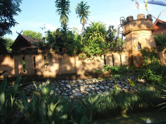 Viang Yonok Hotel, Restaurant, Sports Club: Viang Yonok Hotel Chiang Saen Thailand, View from the Lake