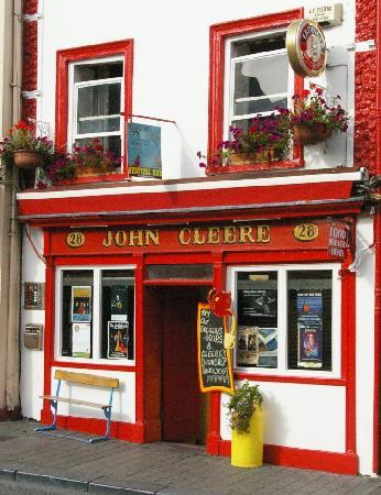 Cleere's Bar and Theatre