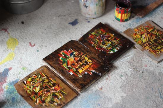Bohol Bee Farm: painting