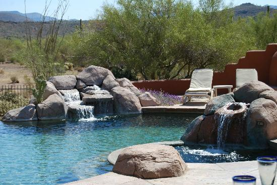 Full Circle Ranch Bed and Breakfast Inn: Pool