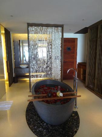 Hansar Samui Resort: Bathroom.