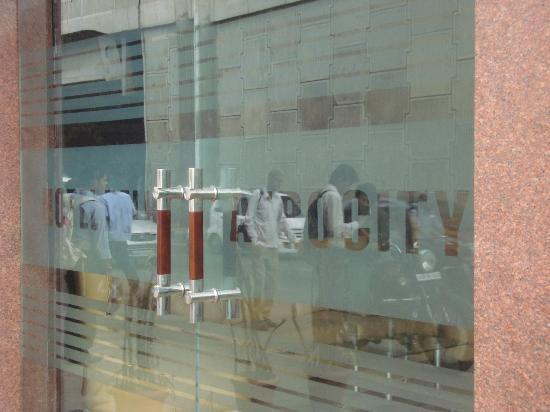 Hotel Delhi Aerocity: View of front etched glass doors