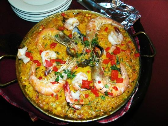 Gonzalez Sea Food Restaurant: The Paella