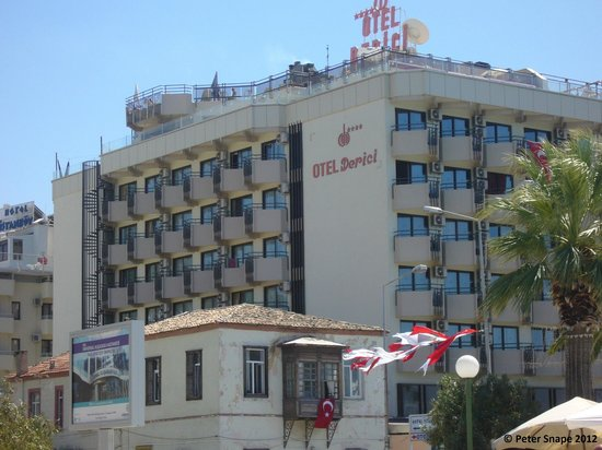 Derici Hotel: Hotel from the outside