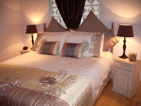 Masescha Country Estate: Sunbird Cottage Bedroom