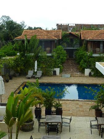 Bambu Battambang Hotel: piscina