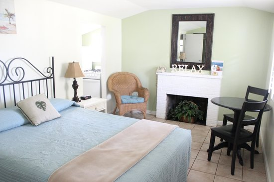 Shoreline All Suites Inn & Cabana Colony Cottages : Oceanfront/Garden View Cottage