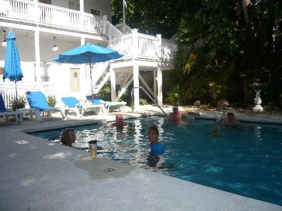 Casa 325: Poolside