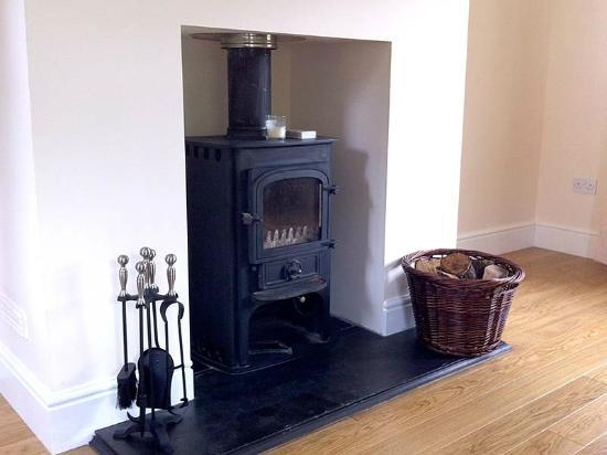 Highland Farm Cottages: Woodburning Stove