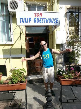 Tulip Guesthouse: Entrada