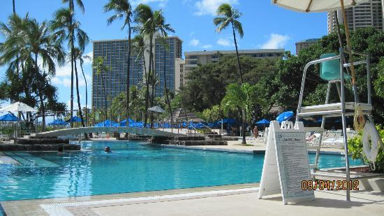 Hale Koa Hotel: The larger ocean-front pool.