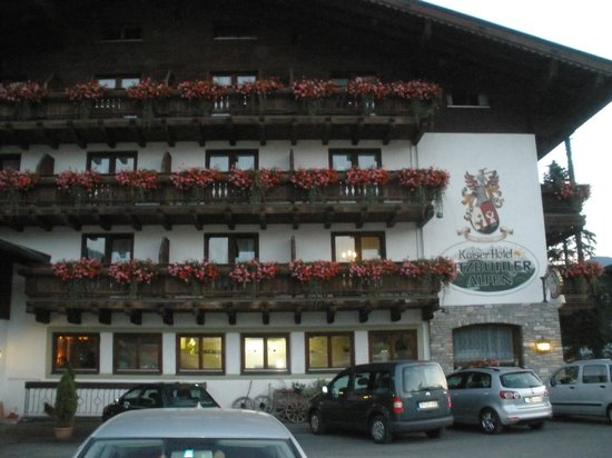 Kaiserhotel Kitzbühler Alpen: Fachada principal
