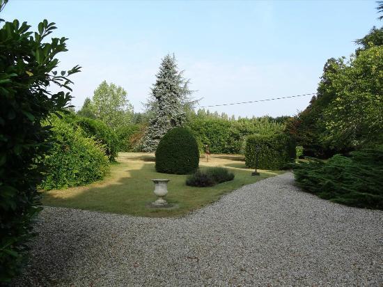 Chateau De Lalande: Vue du Parc