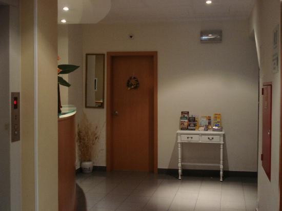 Hotel Italia: Recepção