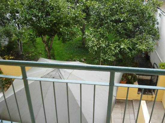 Hotel Italia: Vista do quarto
