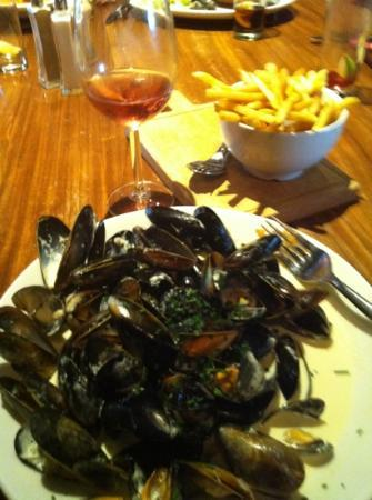 The Boathouse: mussels and chips