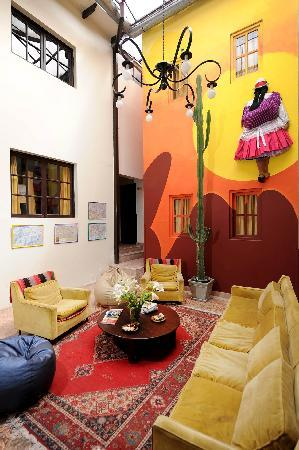 Mama Simona Hostel: Our lobby