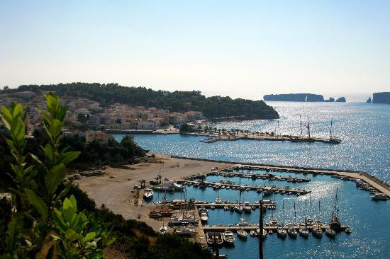 The Romanos Resort, Costa Navarino: Pylos village at 30 minute drive