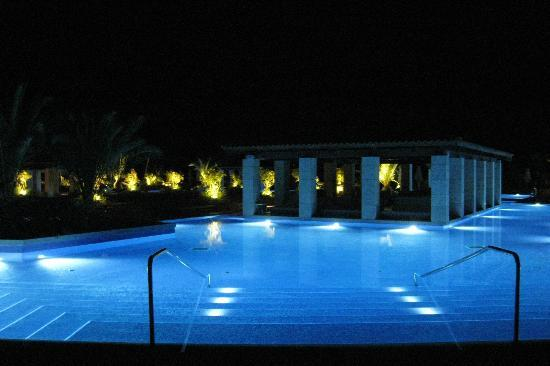 The Romanos Resort, Costa Navarino: The romanos Pool