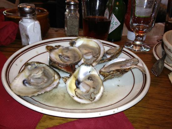 Hank's Oyster Bar: Osyters