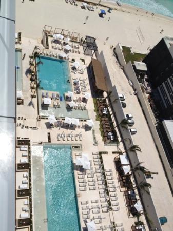Secrets The Vine Cancun : the pool