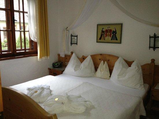 Hotel Schloss Thannegg: Wohlfühlbett mit herrlichem Arvenduft