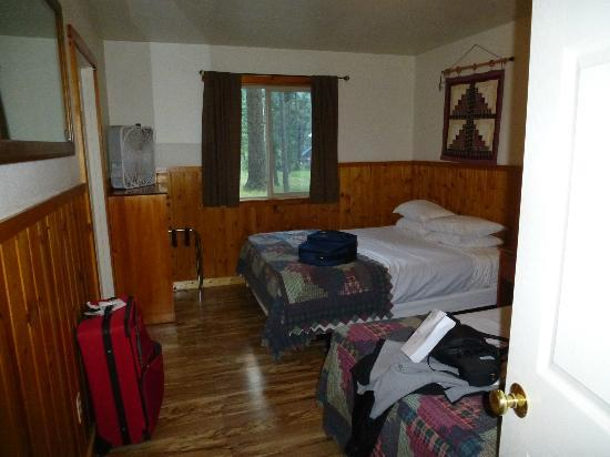 Wallowa Lake Resort: 2 queen bedroom