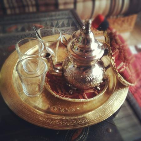 Riad el Noujoum: Tea on arrival.