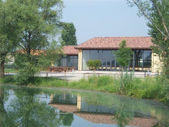 Agriturismo al laghet porto mantovano italy mantua farmhouse reviews photos price - Piscina porto mantovano ...