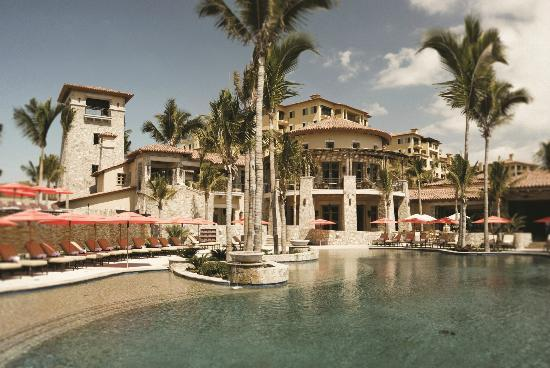 Hacienda Beach Club and Residences: Exterior View