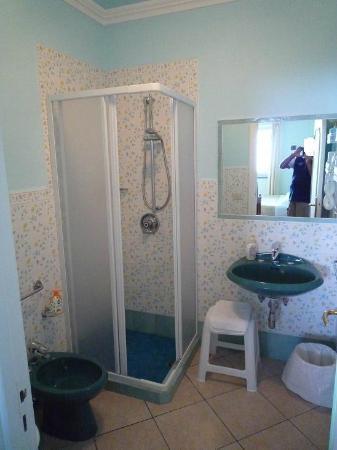 Alle Ginestre Capri Bed & Breakfast: Il bagno