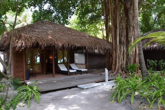 Kuramathi Island Resort: garden villas