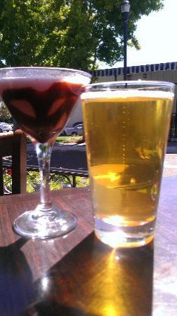 Rooster Creek Tavern: Tasting cocktails