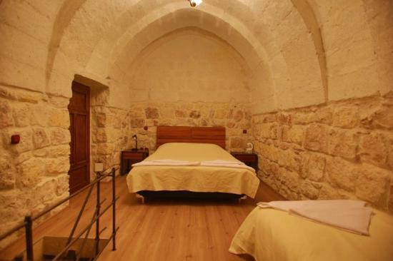Maron Stone House: 123
