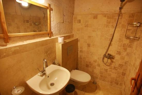 Maron Stone House: room3