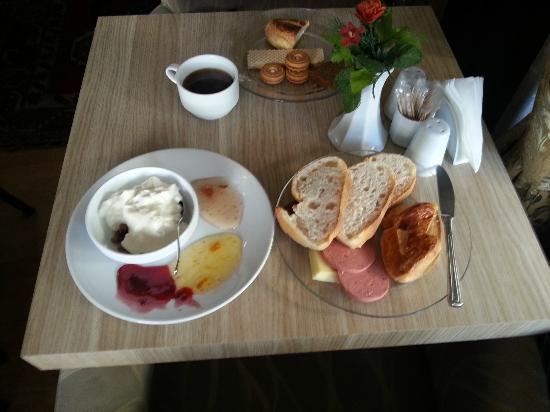 Grand Esen Hotel: Colazione...
